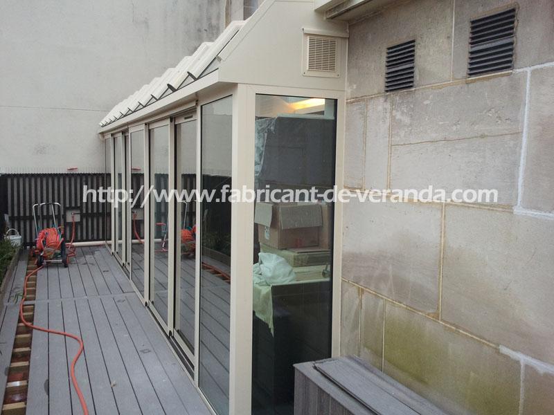 pose veranda de balcon en aluminium blanc. Black Bedroom Furniture Sets. Home Design Ideas